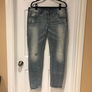 Silver Jeans Bleach wash with back pocket detail